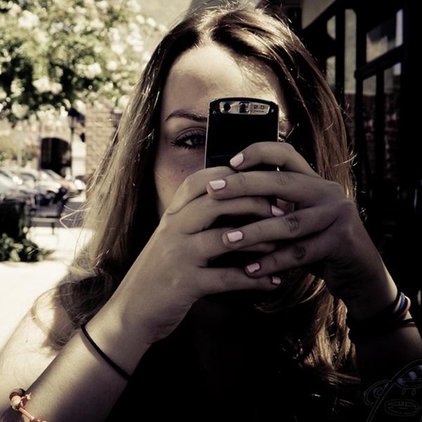 SMS,секс, Подростки, отправляющие много SMS, чаще занимаются сексом