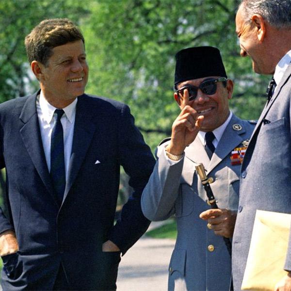 политика,коррупция,общество,история, 10 историй о самом коррумпированном президенте