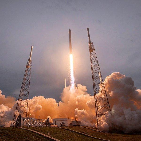 Space X, космос, связь, интернет, телекоммуникации, соцсети, поп-культура, общество, Space X планирует вывести на орбиту 4,425 спутников связи