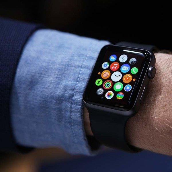 BlackBerry, Android, смартфон, В руку со временем: «Эппл» запатентовала самозатягивающийся ремешок для часов Apple Watch
