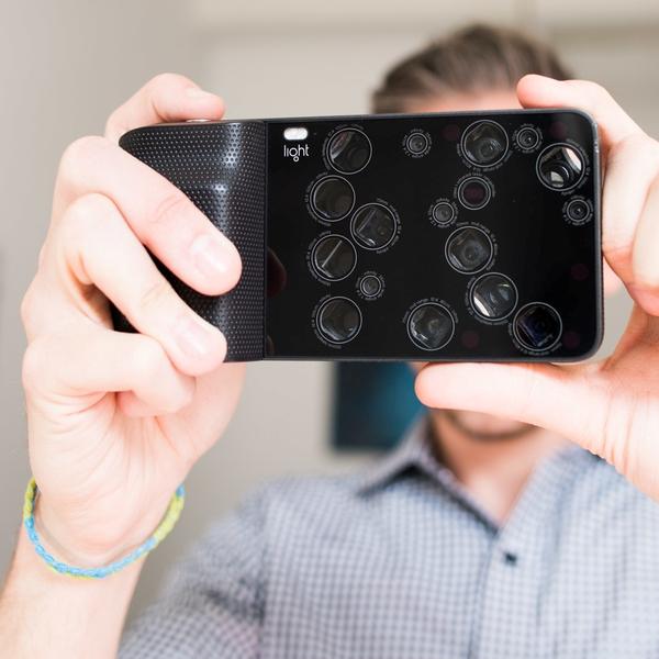 фото, Light - камерофон с 16 встроенными объективами