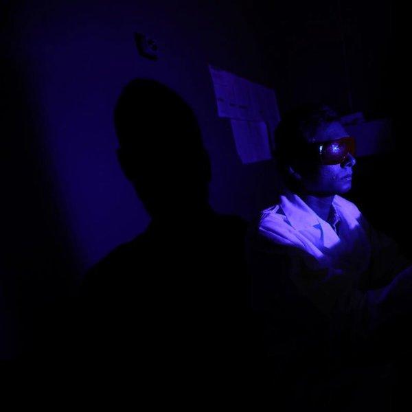 медицина, болезнь, организм человека, Экран телефона разрушает сетчатку глаза. И вот почему.